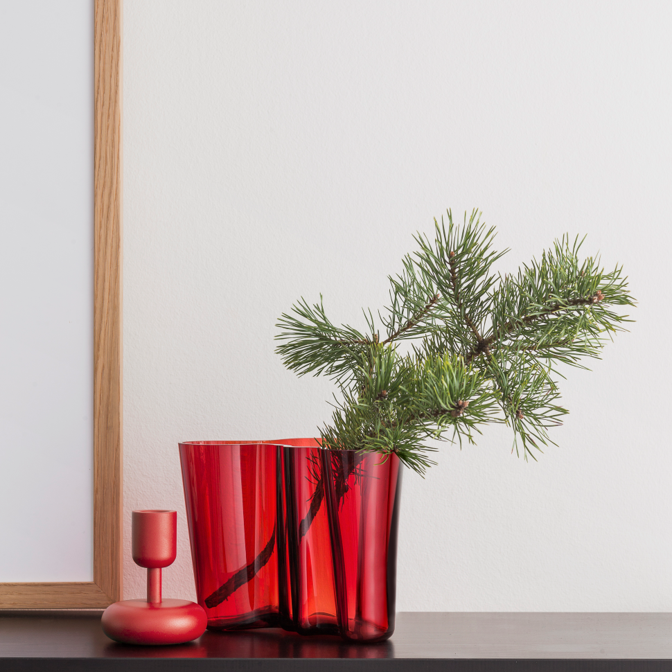 Nordic Christmas decoration Alvar Aalto vase in red